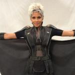 """Halle Berry présente le nouveau look de """"Storm"""" de """"X-Men"""""""