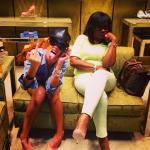 """Rihanna et sa mère Monica se font plaisir chez """"Miu Miu"""""""