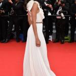 Zoe Saldana toute glamour à l'ouverture du Festival de Cannes