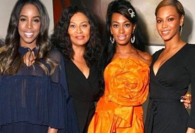 Beyonce, Solange, Kelly and Mama Tina